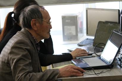 B. Purev executing code, photo by B. Ganchimeg